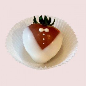 Chocolate Dipped Strawberies-Tuxedo